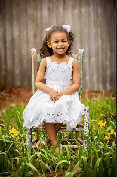 little-girl-in-chair-image